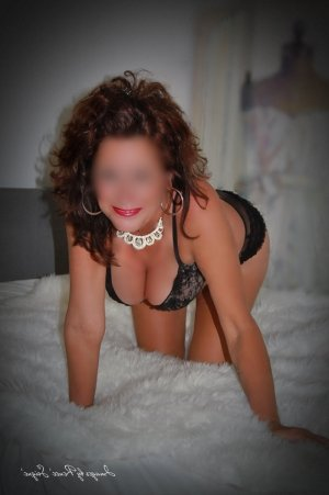 Naisha nuru massage in Amherst Center and live escort