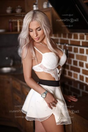 Elouise live escort in Florence and nuru massage