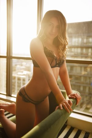 Neissa escort in Monmouth, massage parlor
