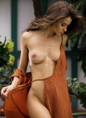 Shahrazed escort girls in La Habra & happy ending massage