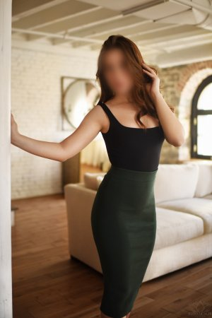Hava escort girl in Henderson North Carolina and nuru massage